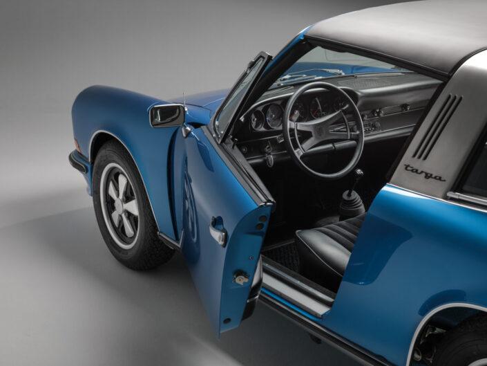 Porsche 911 Targa blue